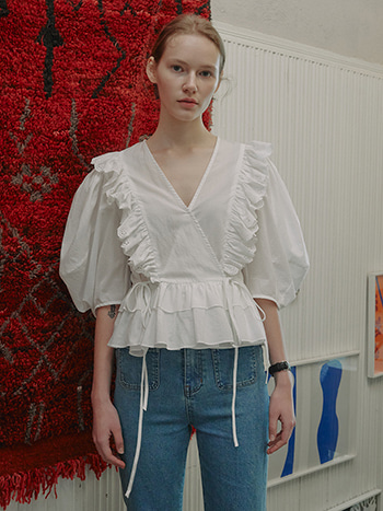 [04/13예약배송]Rocha Lace Ruffled Blouse_White