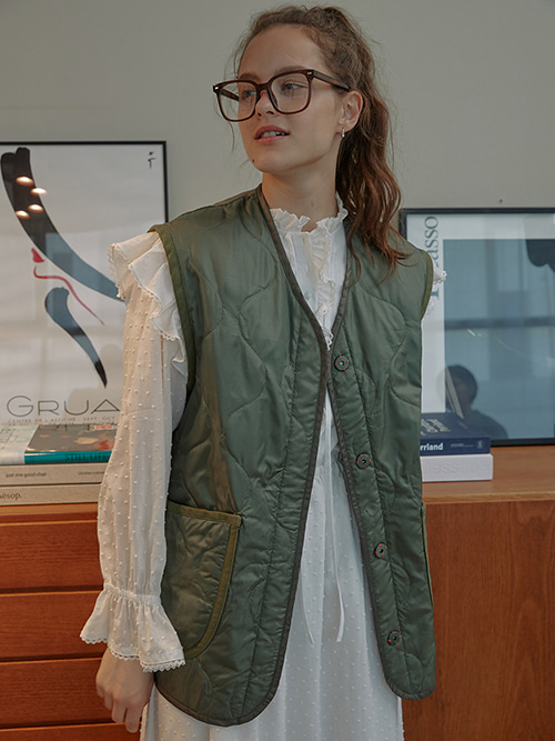 [PROMOTION][2/22일 순차배송][윤승아착용]Quilted Camping Vest